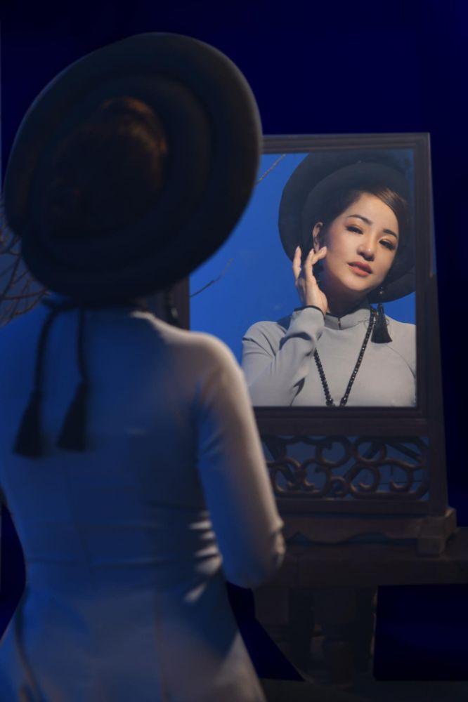 13 2 Nghệ sỹ Thúy Nga diện Áo dài Việt Hùng bình yên mùa Vu lan
