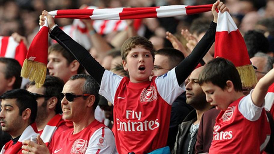 Người hâm mộ bóng đá Anh sẽ được phép vào sân cổ vũ sau 9 tháng cách li xã hội